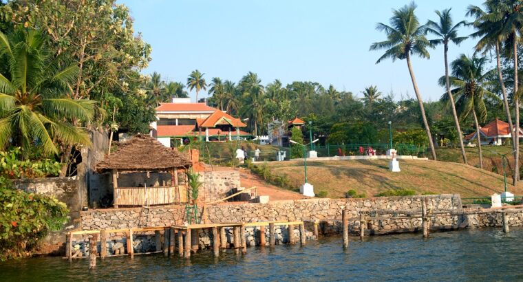 Best Lakeside Resorts in Kollam,Kerala